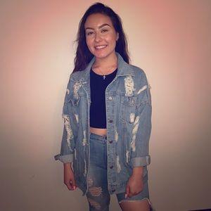 Oversized jean jacket 👀